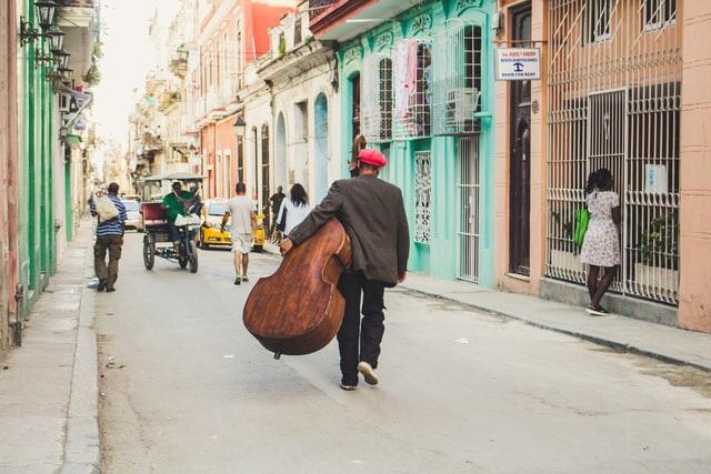 キューバの街とキューバ人